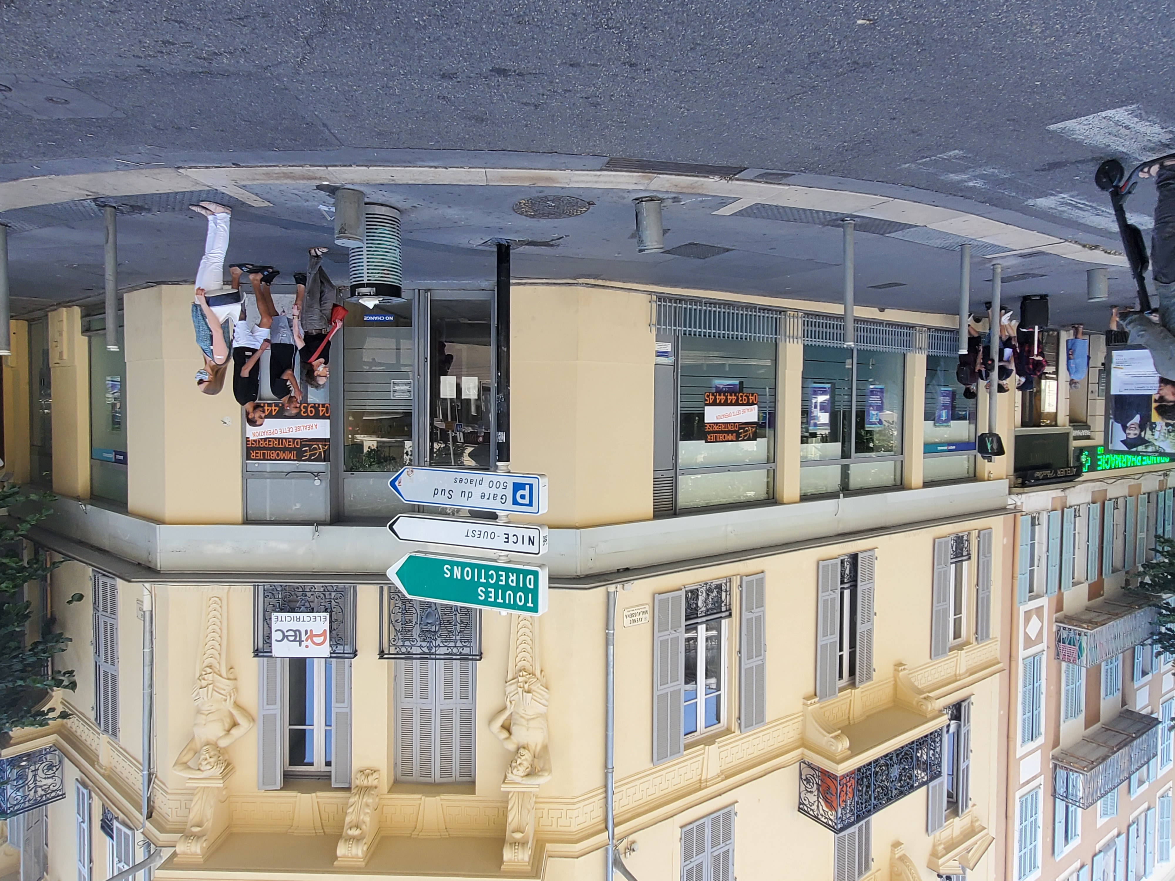 Installation du Groupe Leroy Merlin à la place DU CIC LYONNAISE DE BANQUE